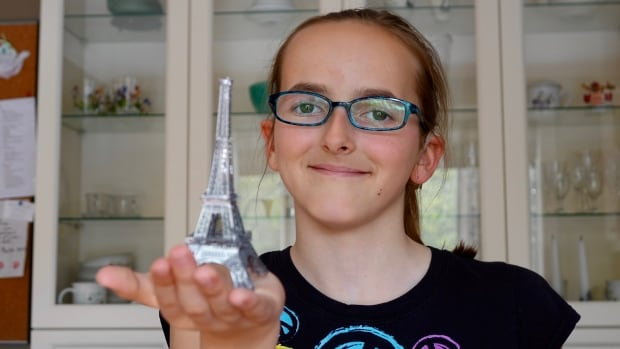 Jayden Lanning is on her way to Paris to see the gold lights on the Eiffel Tower sparkle at night, a sight she wants to behold before she could start losing her vision.