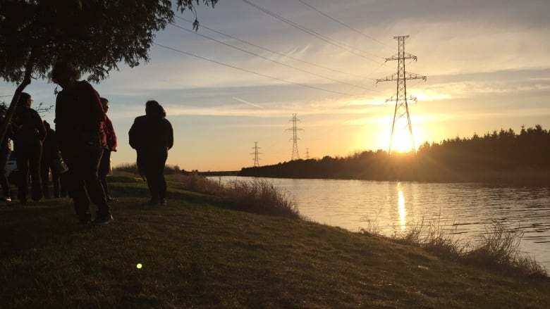 Police pull body from river in Thunder Bay, Ont., during search for ...
