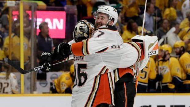 Ducks Remain Unruffled And Tie Series By Ending Predators' Home Winning Streak