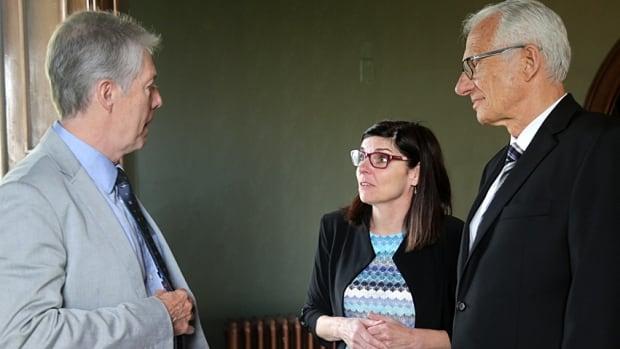 Mayor Fred Eisenberger, Filomena Tassi and Bob Bratina talk post-announcement.