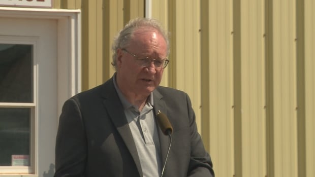 Premier Wade MacLauchlan's support was steady, but his party's fell.