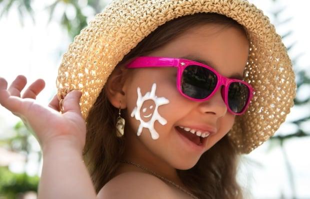 Sunscreen sunglasses child
