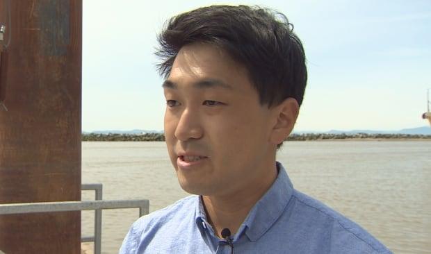 Michael Fujiwara Steveson dock sea lion video taker