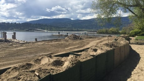Windy forecast has Okanagan officials bracing for further flooding