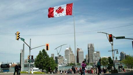 Great Canadian Flag, Windsor