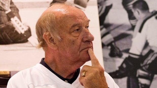 Bill White dies; former NHL All-Star was 77