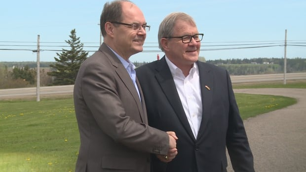 German Federal Minister for Food and Agriculture Christian Schmidt (left) meets with Minister Lawrence MacAulay in P.E.I. on his way to Washington.