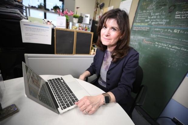 Dr. Sandra Mendlowitz