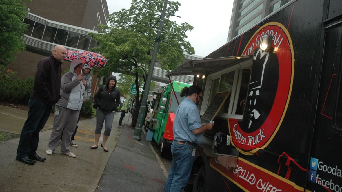 London Food Truck Operators Say Theyve Turned A Corner Cbc News