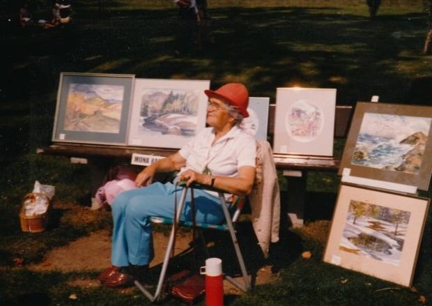 Mona Barry exhibition, 1982