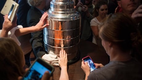 stanley-cup-trophy-051615-620