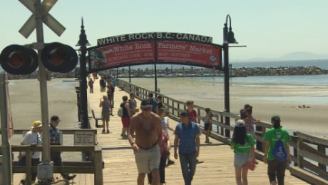 Warm weather brings tourists back to White Rock