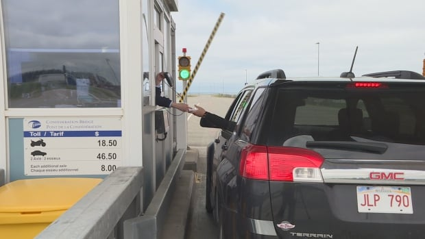 As part of Strait Crossing's pilot project, toll booth operators at the Confederation Bridge are asking drivers if they would like to keep cash payments as an option during overnight hours.