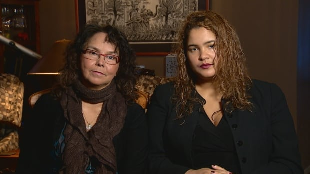 Jacqueline Cordova and her daughter, Jimena, have struggled to pay the bills due to issues with the government's troubled Phoenix pay system.