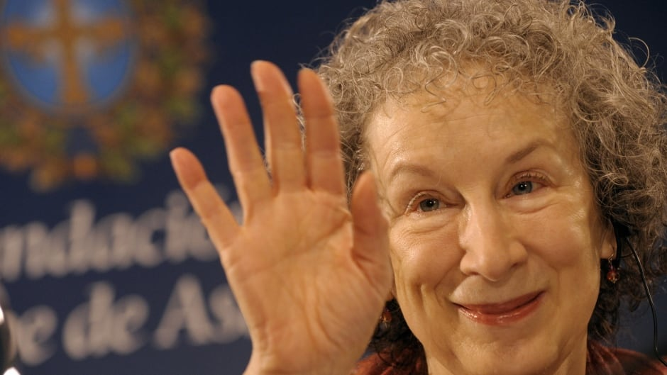 Canadian novelist Margaret Atwood gestures as she gives a press conference in Oviedo on October 22, 2008. Atwood has been awarded the 2008 Prince of Asturias Award for Letters.