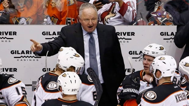 Coach Randy Carlyle gets contract extension from Ducks