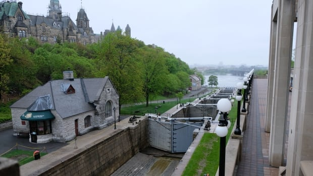 The Rideau Canal locks beside Parliament Hill are seen on Victoria Day weekend, 2017. The bridges and walls of the historic Rideau Canal are getting much-needed repairs worth $100 million - but a new audit criticizes the shoddy way some of the work is contracted out.