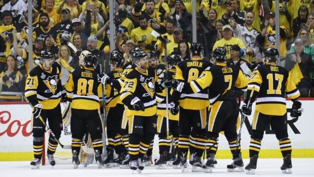 Defensemen help Penguins play fast in Stanley Cup Final