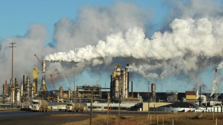 Oilsands CO2 emissions may be far higher than companies report, scientists say