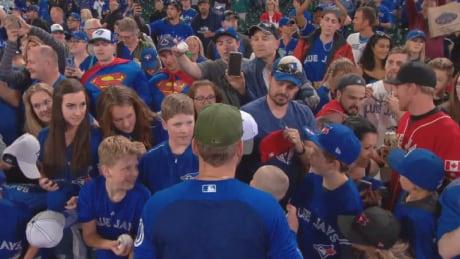 Blue Jays fans meet Josh Donaldson