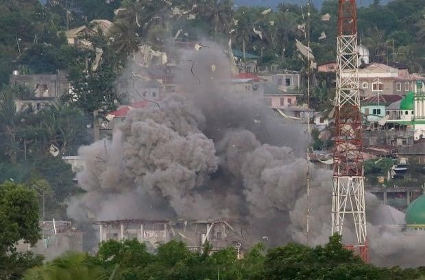 APTOPIX Philippines Escaping Marawi