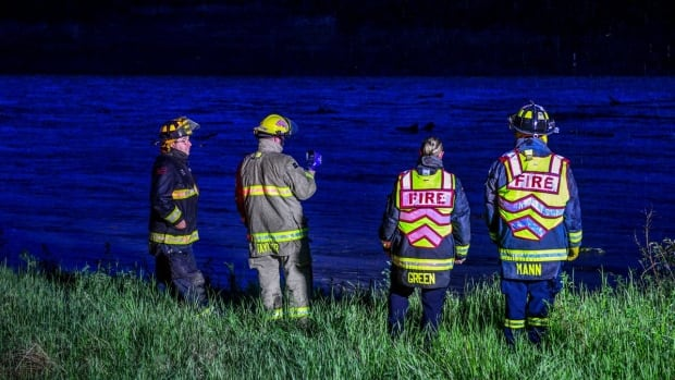 Boater missing after canoe capsizes on Smoky River near Grande Prairie