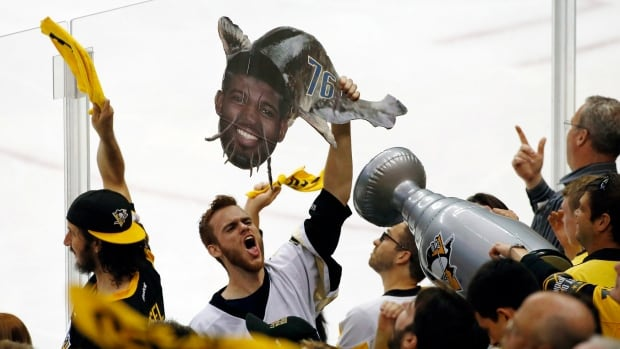 Crosby, Pens cap amazing year with 2nd straight Stanley Cup