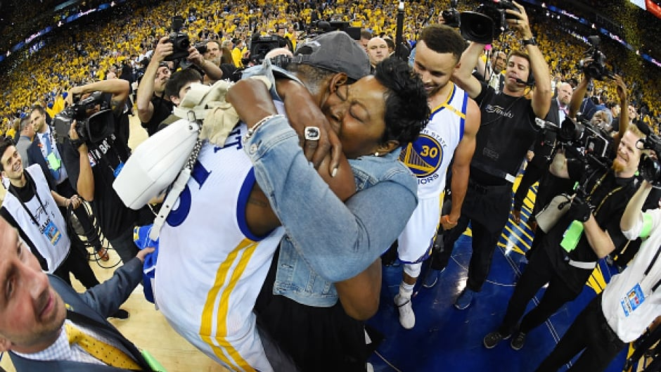 OAKLAND, CA - JUNE 12:  Kevin Durant #35 of the Golden State Warriors and his mother Wanda Durant celebrate after winning the 2017 NBA Finals.
