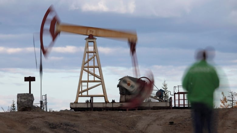 Energy stocks weigh on TSX as crude oil prices hit 7-month