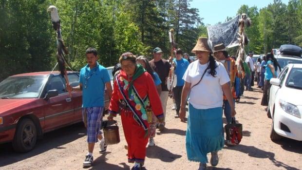 Josephine Mandamin, water activist who walked 17,000 km around the Great Lakes, dies at 77 | CBC News