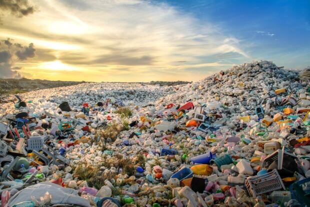 Plastic waste Maldives