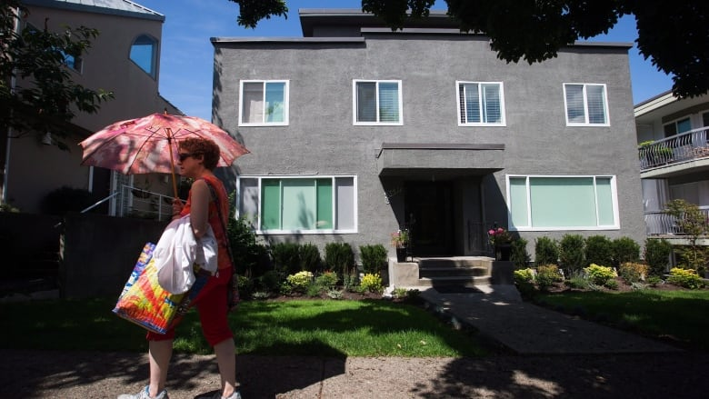 Canada's biggest cities move to regulate Airbnb, but it's no easy