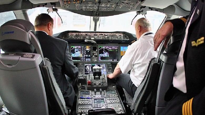 Resultado de imagen para crew cockpit