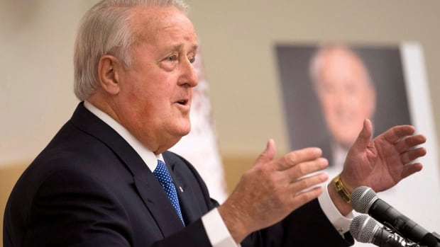 Former Prime Minister Brian Mulroney delivers a lecture in Calgary in 2016.