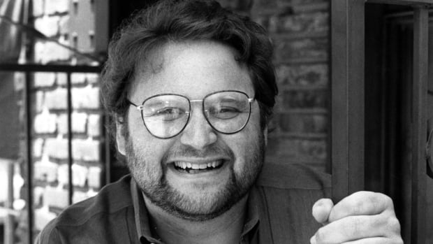Actor Stephen Furst poses for a photo in 1986 in Los Angeles. Furst's family says the Animal House actor died at age 63.