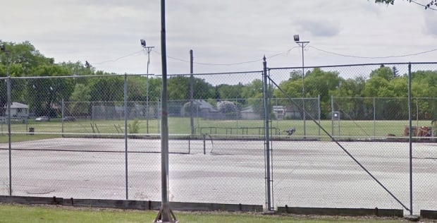 Corydon tennis court