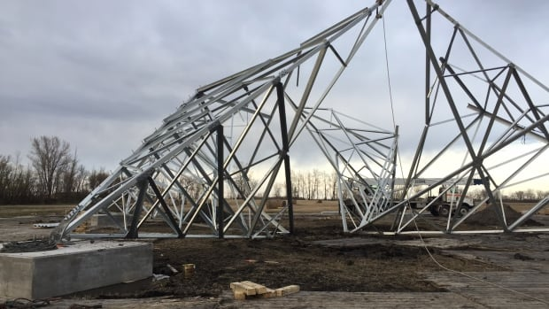 A Bipole III Manitoba Hydro tower in the Interlake region collapsed May 2 while workers were assembling it, due to parts not being installed in the right sequence, Hydro said.
