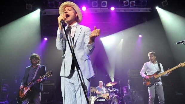 the-tragically-hip-gord-downie.jpg