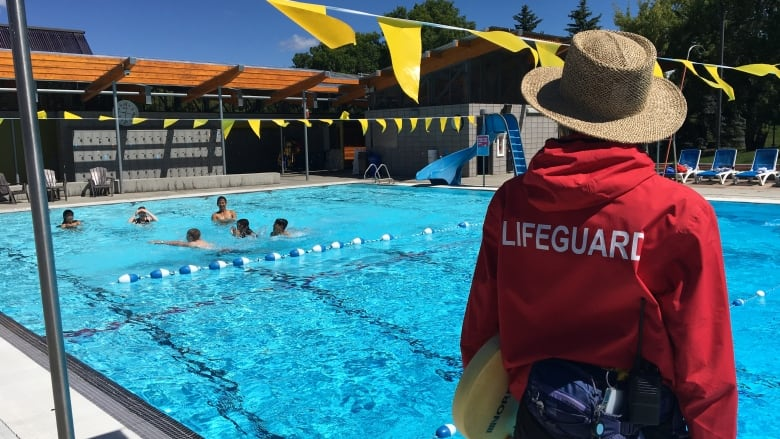 People Will Be Able To Swim For Free Beginning July 1 At All Of The Citys Four Outdoor Swimming Pools Including This One Queen Elizabeth Pool