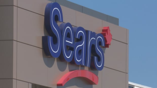 Sears Canada could soon begin full liquidation if there is no successful bid to buy the business and keep it open.