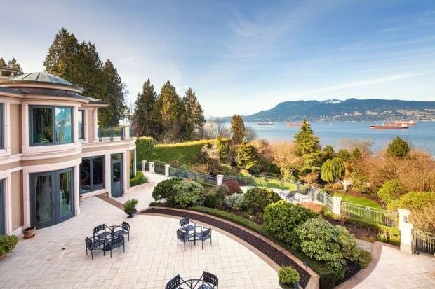 Billionaire Joe Segal 39 S 63m Vancouver Mansion Up For Sale