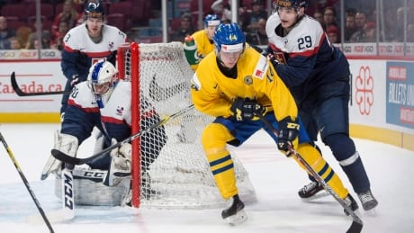 Vancouver Canucks draft Elias Pettersson with 5th pick in NHL draft