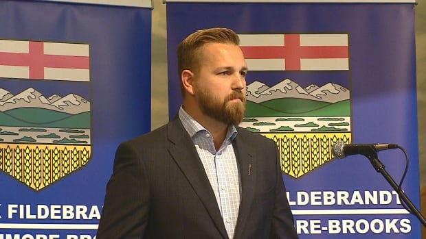The gall of Mike Duffy during the peak of his scandal was his unrelenting insistence that what he did was acceptable because it was technically within the rules. Derek Fildebrandt is using the same excuse.