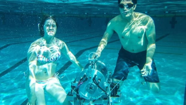 Students at the University of Alberta have designed a fully autonomous robotic submarine.
