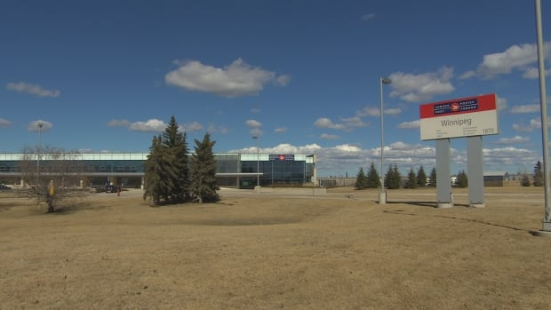 Canada Post was still paying the builders of the Winnipeg mail-processing plant in 2016, more than a year after RCMP first suspected fraud in the construction of the facility.