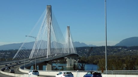 Insurance brokers fined, suspended for helping B.C. drivers avoid paying bridge tolls