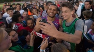 Andre De Grasse takes mob in stride at Harry Jerome Classic