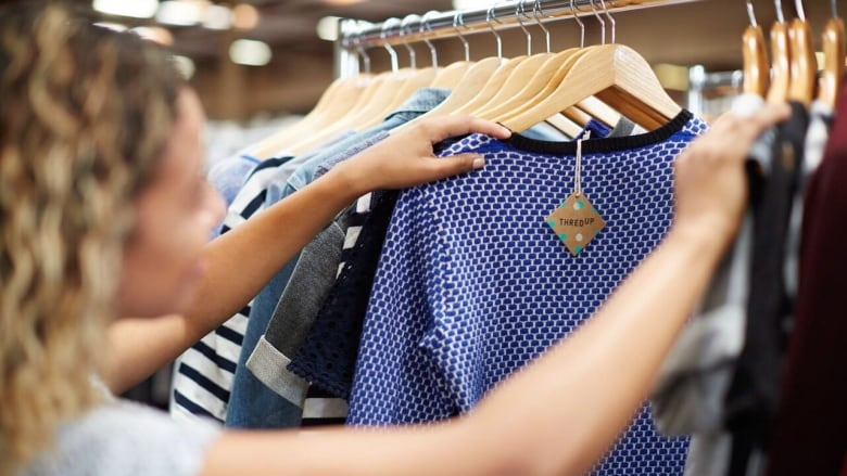 Online Thrift Store Clothes >> U S Online Thrift Store Chain Thredup Launches In Canada Cbc News