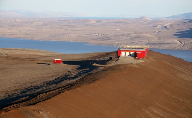 PEARL research station Ellesmere Island
