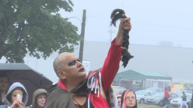 Chief Grizzly Mamma shaved her head as a symbol of mourning.